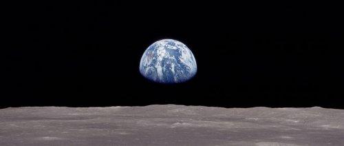 Nasa Earth rise